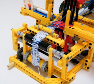 Ткацкий станок LEGO